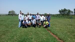 Dia de Campo: produtores rurais e equipe da Agraer de Naviraí